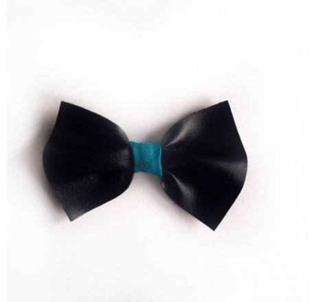 By KD Bowties Black with a Twist