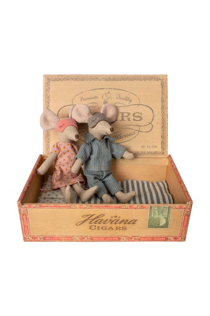Maileg Mum & dad mice in cigar box _1