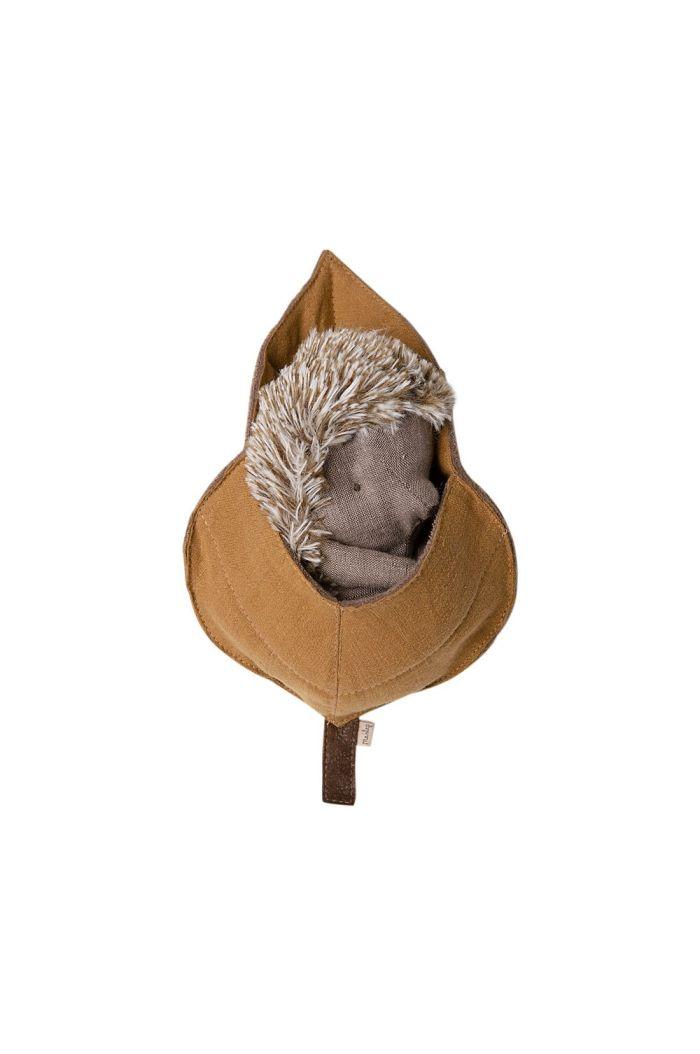 Maileg Hedgehog in leaf  _1