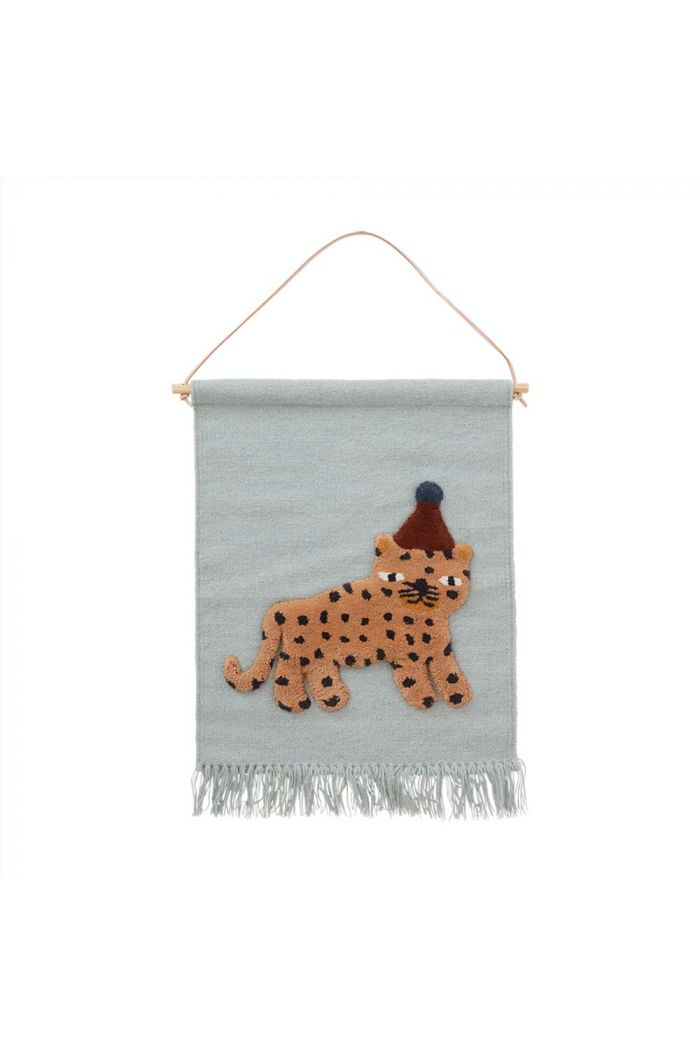 OYOY Leopard Wallhanger Dusty Blue_1